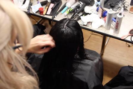 Le coiffeur du Chaînon: un rituel de beauté pour femmes itinérantes