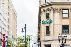 Visite à Google: pas de taxe du Québec en vue à court terme, dit Legault