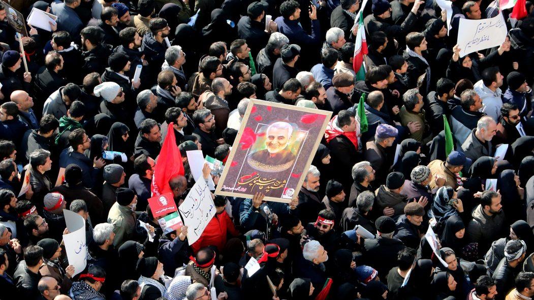 Iran/États-Unis: appels à venger Soleimani et tension à son comble