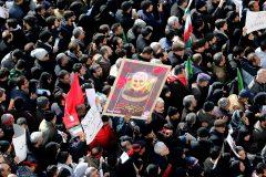 Crise Iran/États-Unis: appels à venger Soleimani et extrêmes tensions