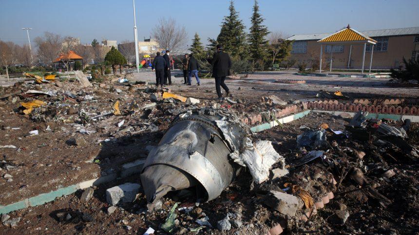 Écrasement d'avion en Iran: 63 Canadiens figurent parmi les victimes