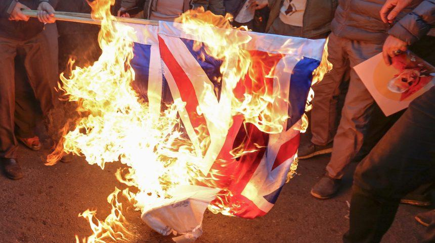 L'ambassadeur britannique arrêté en Iran nie avoir manifesté