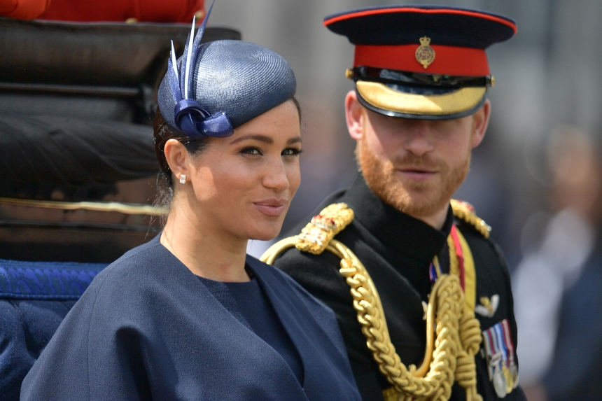 Harry et Meghan renoncent à leurs titres royaux et aux fonds publics