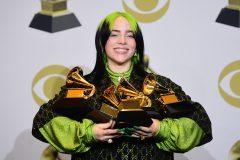 Grammy: quatre victoires pour Billie Eilish, hommage à Kobe Bryant