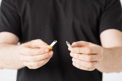 Arrêter de fumer avant une opération réduit le risque de complications