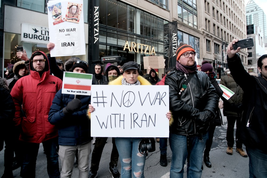 Manifestation contre une guerre en Iran à Montréal