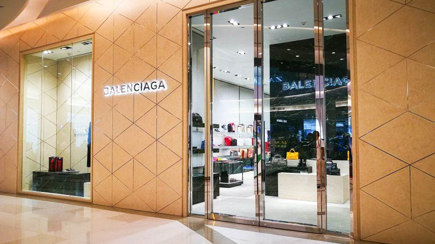 Balenciaga veut renouer avec la haute couture, selon le directeur artistique