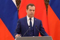 Russie: démission de Medvedev, Michoustine nommé premier ministre