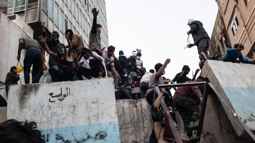 Irak: des milliers de manifestants dénoncent l'Iran et les États-Unis