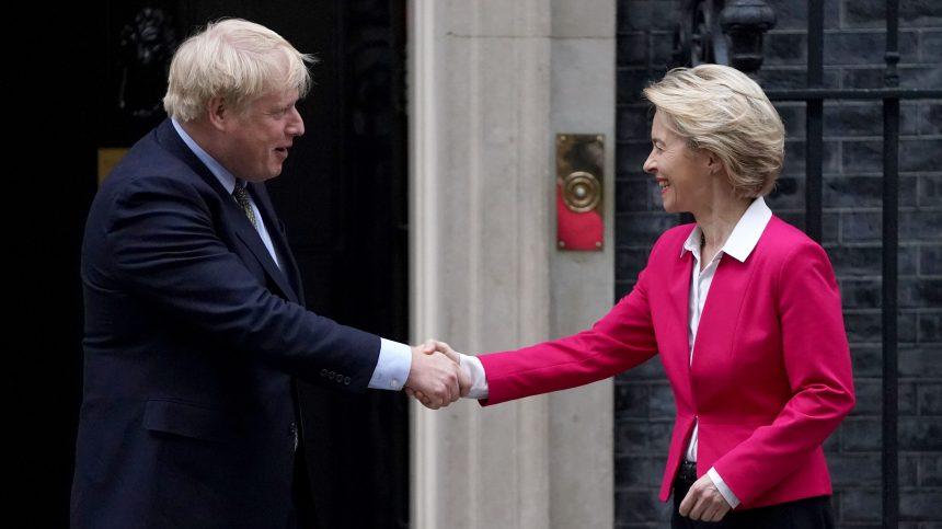 Brexit: qu'y a-t-il dans le traité de divorce adopté jeudi?