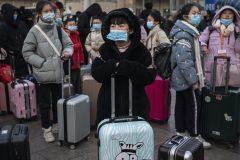 Virus: Londres et Rome vont surveiller les vols en provenance de Wuhan