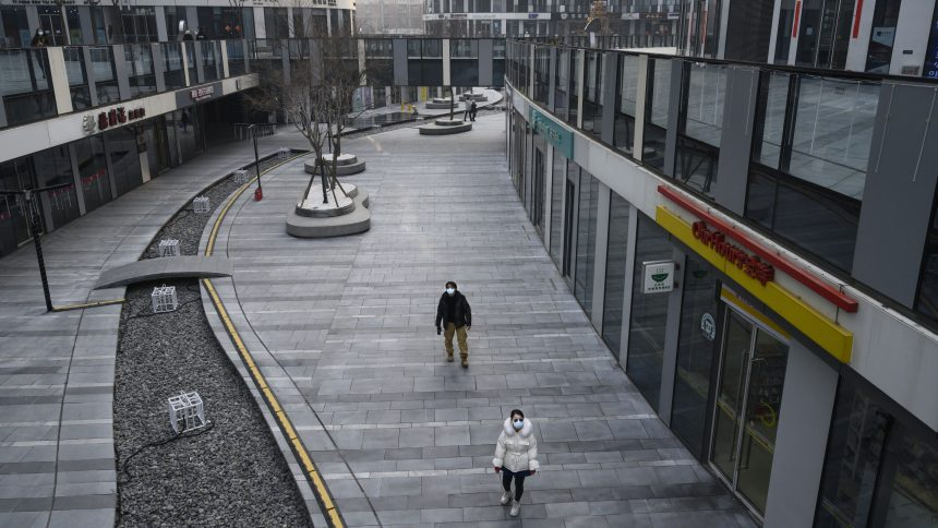 Le coronavirus fait plus de 100 morts en Chine, évacuations en préparation