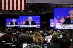 Sanders cible Biden lors du dernier débat démocrate avant les primaires