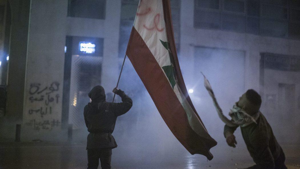 Liban: la colère ne faiblit pas malgré les annonces du premier ministre