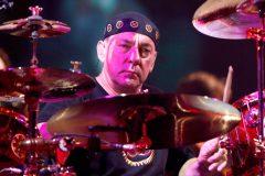 Neil Peart, batteur du groupe Rush, meurt à l'âge de 67 ans
