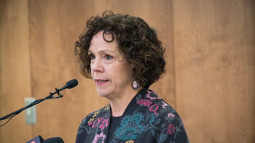 Sue Montgomery lance une poursuite en diffamation contre Valérie Plante