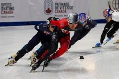 Dandjinou aux Championnats des quatre continents en patinage de vitesse