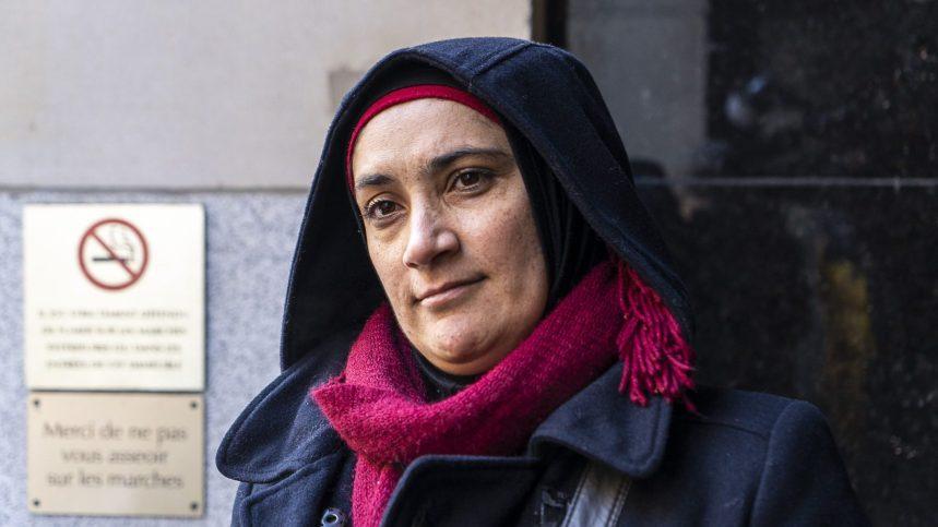 Réfugiés: plusieurs jours en file pour faire accepter une demande de parrainage