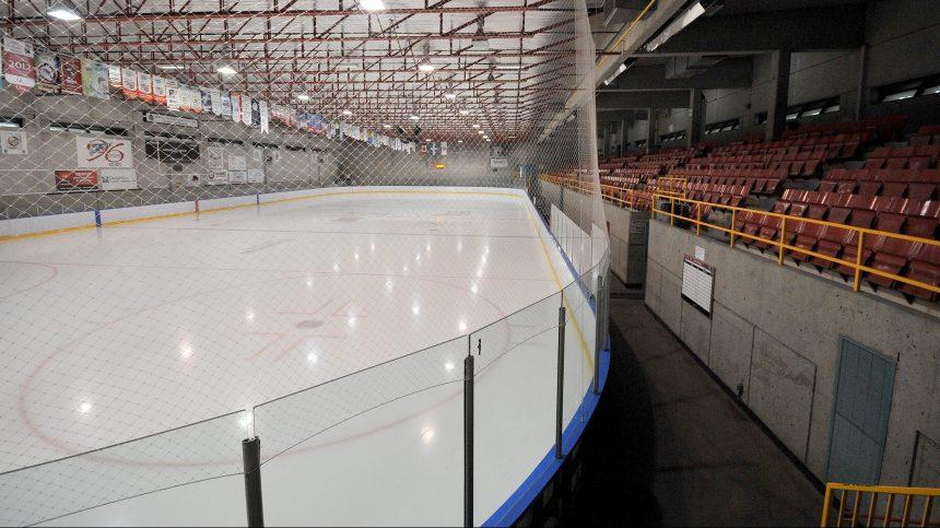 Montréal-Nord confie l'entretien des patinoires au privé: les cols bleus dénoncent