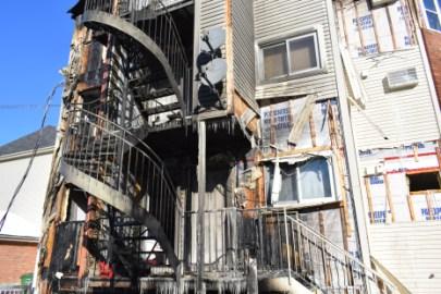 un incendie a éclaté dans une résidence de Pointe aux-Trembles