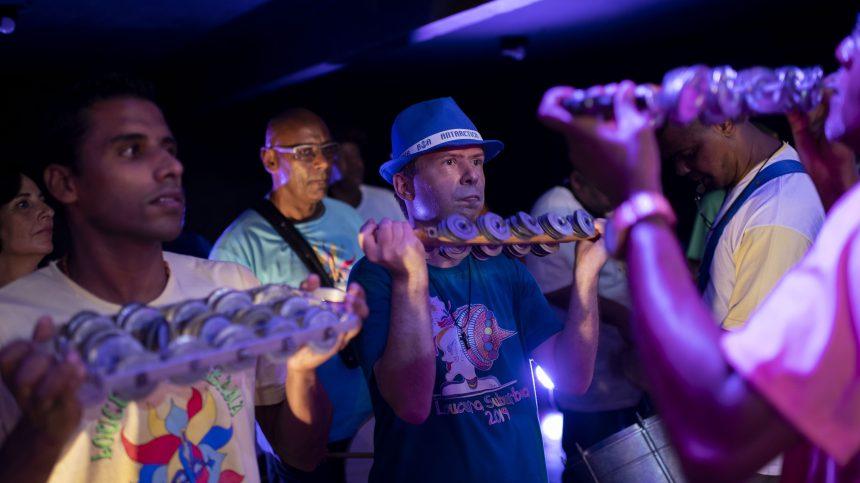 Le carnaval comme thérapie pour des patients en psychiatrie à Rio