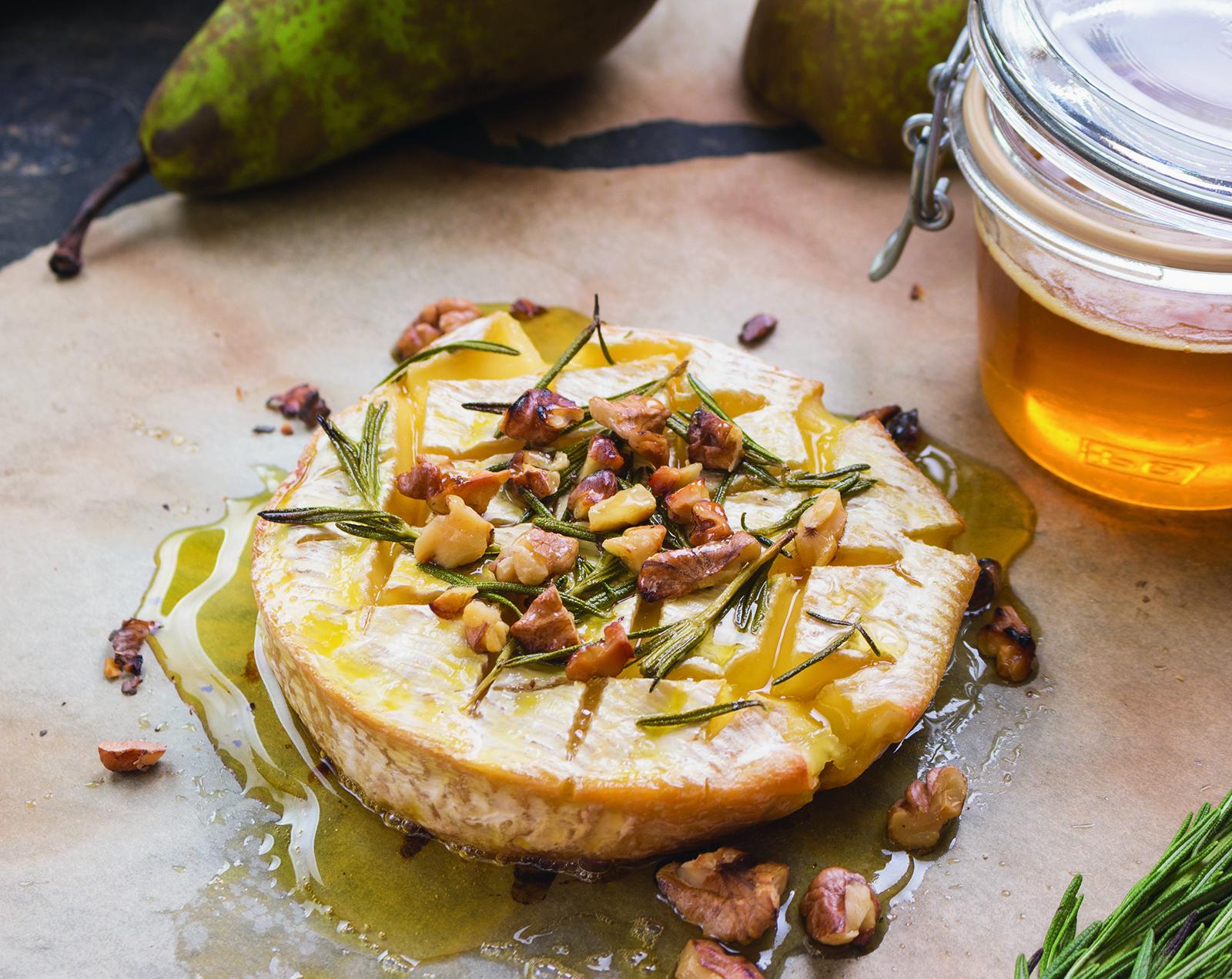 Brie aux poires à manger avec des vins