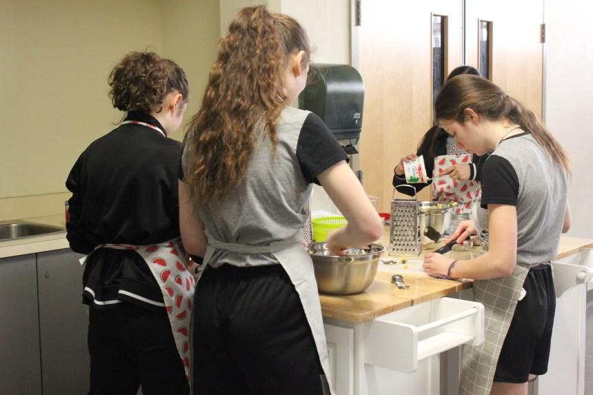 Apprendre aux élèves du secondaire à bien se nourrir une recette à la fois