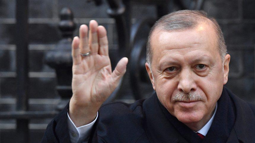 Syrie: Erdogan menace l'Europe d'une vague migratoire