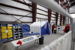 Coronavirus: la ministre Hajdu visite la base de Trenton, un lieu de quarantaine