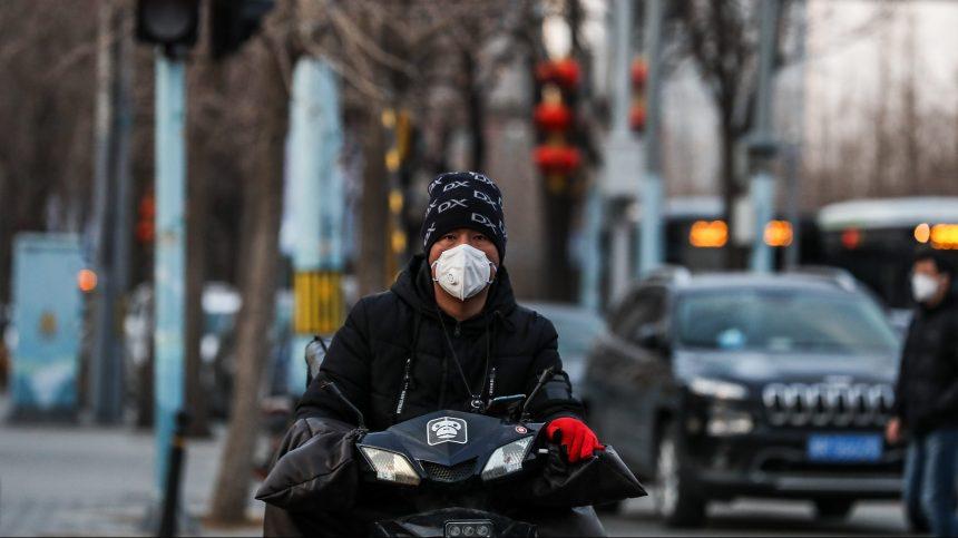 Covid-19: des Montréalais reçoivent 1 M$ pour tester un remède en Chine
