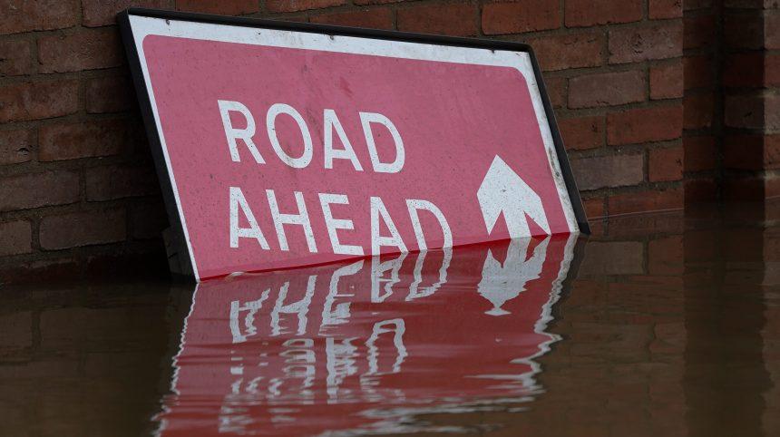 Royaume-Uni: «danger de mort» au passage de la tempête Dennis