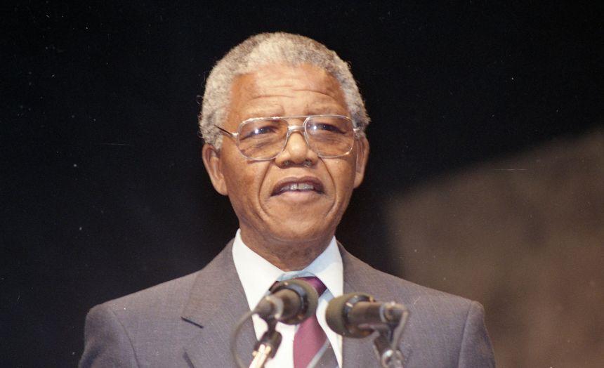 Il y a 30 ans, Nelson Mandela sortait de prison et arrivait à Montréal