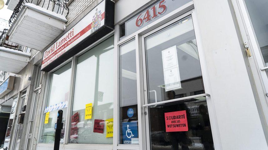 Oléoduc GasLink: bureaux de ministres occupés et trains interrompus à Montréal
