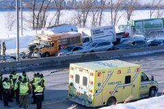 Carambolage à La Prairie: 200 véhicules impliqués, l'autoroute 15 toujours fermée