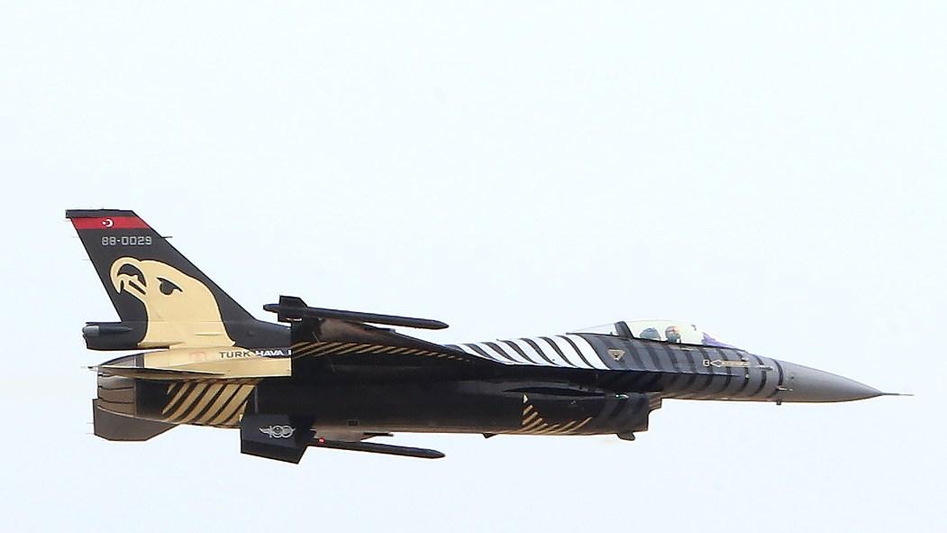 Un avion de chasse turc