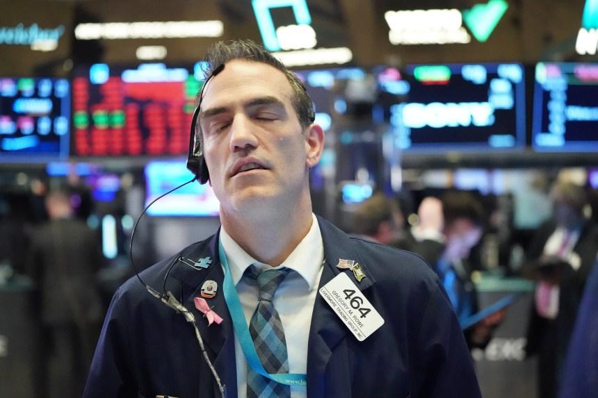 Coronavirus: Wall Street s'effondre et suspend les échanges