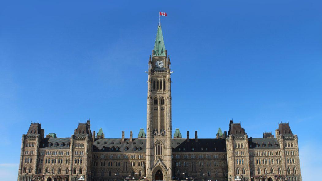 La Chambre des communes adopte le plan d'urgence fédéral de 82 G$