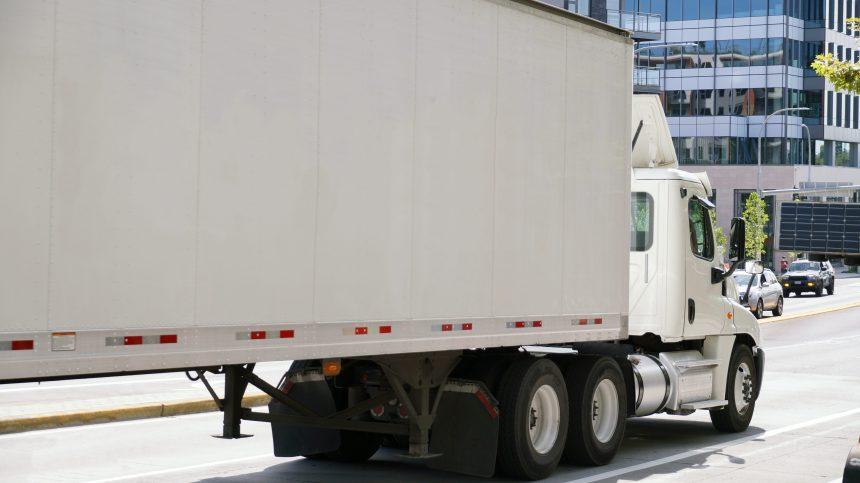 COVID-19: la prolifération des cas aux É.-U. ne décourage pas les camionneurs