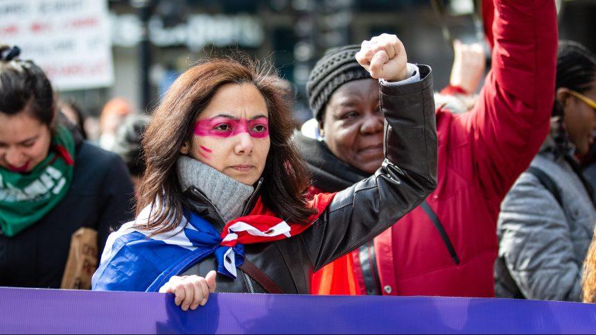 «La révolution est féministe», clament des centaines de manifestantes à Montréal