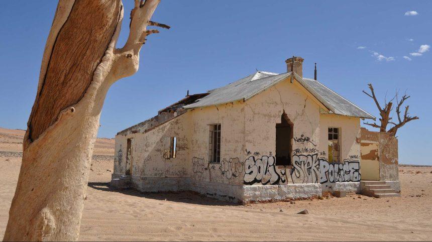 Un Montréalais accusé d'avoir vandalisé un monument historique en Namibie