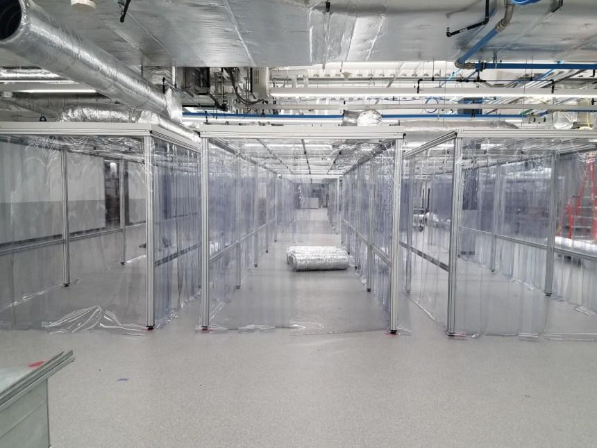 Coronavirus: Machinerie PharmaCos fait sa part à Saint-Laurent