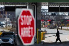 Coronavirus: le Canada et les États-Unis discutent de fermer la frontière