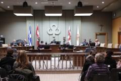 Saint-Laurent somme Ottawa de restreindre l'accès aux armes à feu