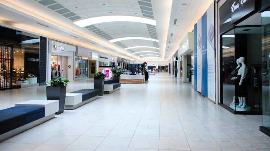 Coronavirus : Des allées de plus en plus vides dans les centres d'achats