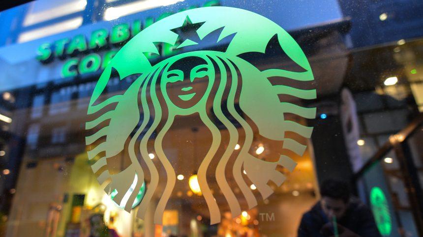Coronavirus: Starbucks bannit les tasses réutilisables