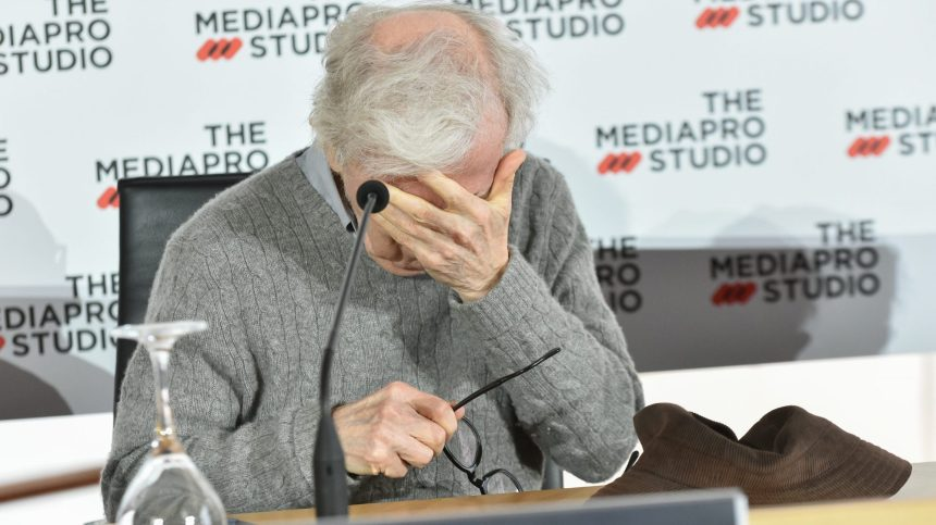 «Allen v. Farrow», un documentaire accablant pour Woody Allen