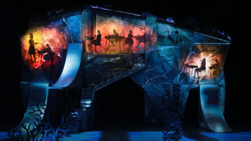 À l'arrêt depuis une semaine, le Cirque du Soleil serait-il au bord du gouffre?