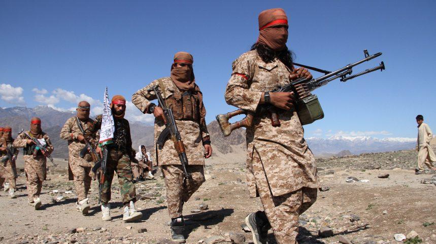 Afghanistan: attaques des talibans et doutes sur leur volonté de discussion