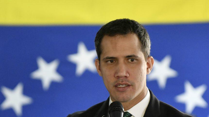Venezuela: Guaido cité à comparaître pour «tentative de coup d'État»