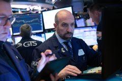 Le coronavirus fait une nouvelle fois paniquer les marchés financiers